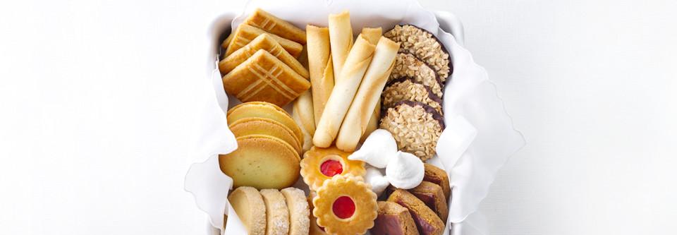 フランス伝統の焼菓子からサブレ(クッキー)•ラスクまで勢揃い
